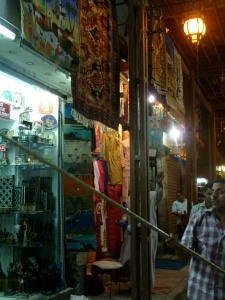 Man dismantles shop in souk